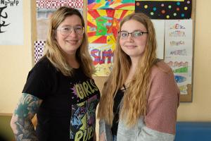 SV-Lehrerin Judith Aleit und Schülersprecherin Jaqueline Kopp